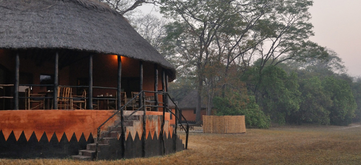 http://www.c4photosafaris.com/uploader/images/Wasa-Lodge-main-lodge-1200x550.jpg